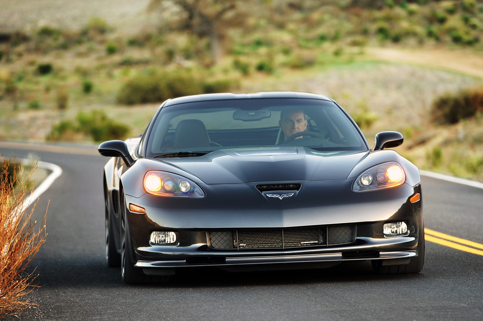 2012 chevrolet corvette zr1 image gallery pictures. Black Bedroom Furniture Sets. Home Design Ideas