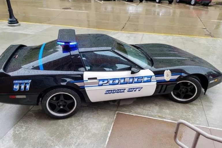 Sioux City Police 1986 D.A.R.E. Corvette