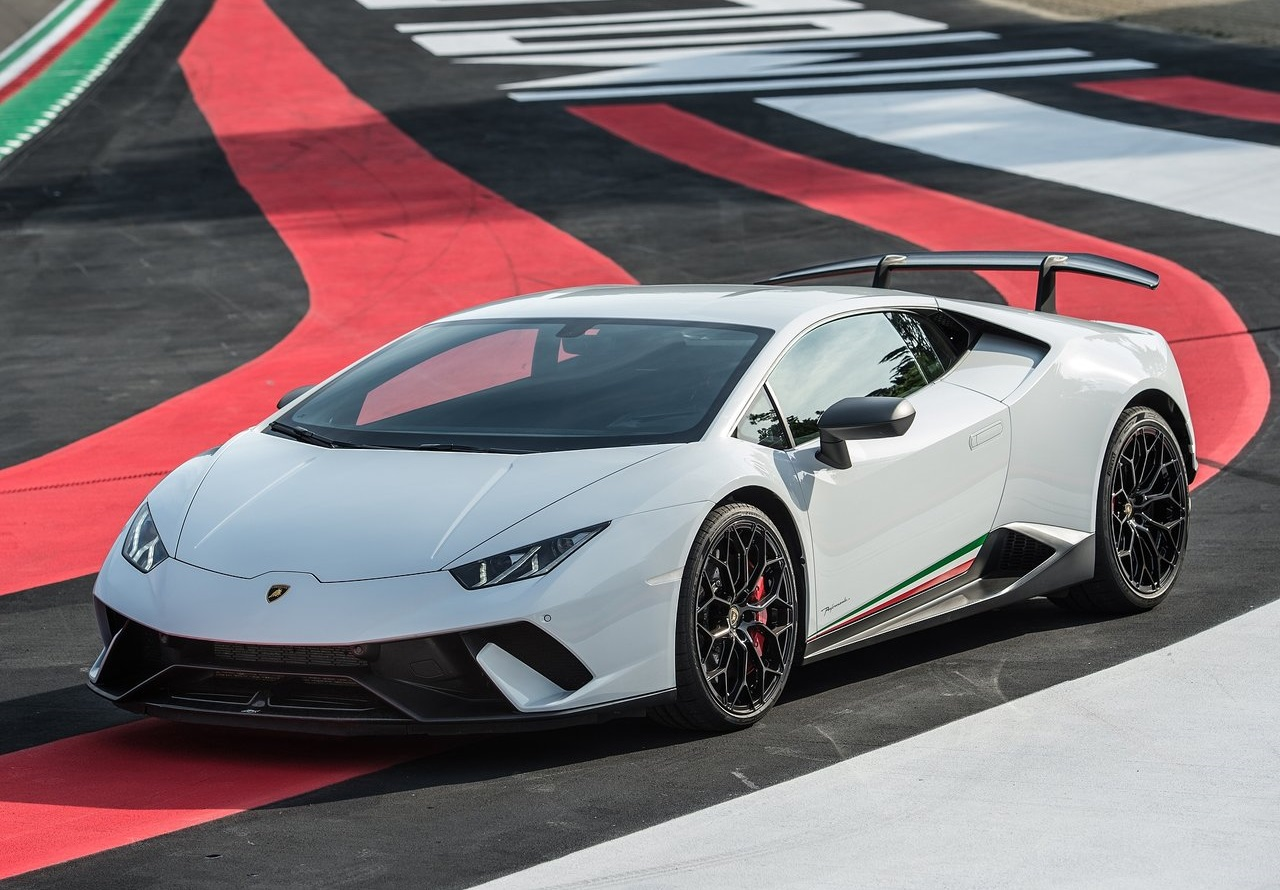 2019 Lamborghini Performante