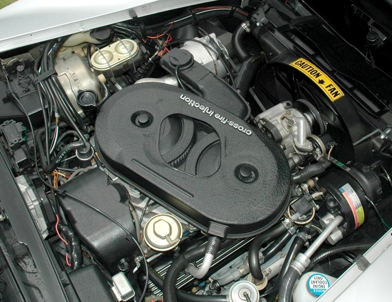 The 1982 Corvette featured the Cross-Fire Injection System.