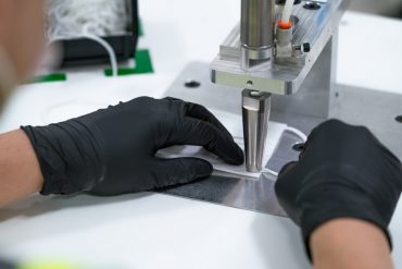 GM starts facemask production