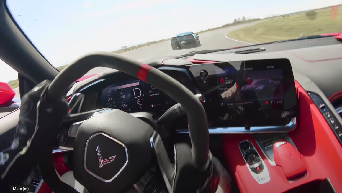 Corvette C8 Battles McLaren On Track [VIDEO]
