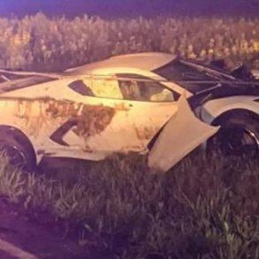White 2020 Corvette C8 crash
