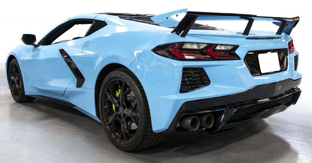 The 2020 Mid-Engine Corvette in Rapid Blue. Note the relocation of the exhaust from the center of the rear fascia to the outward corners.