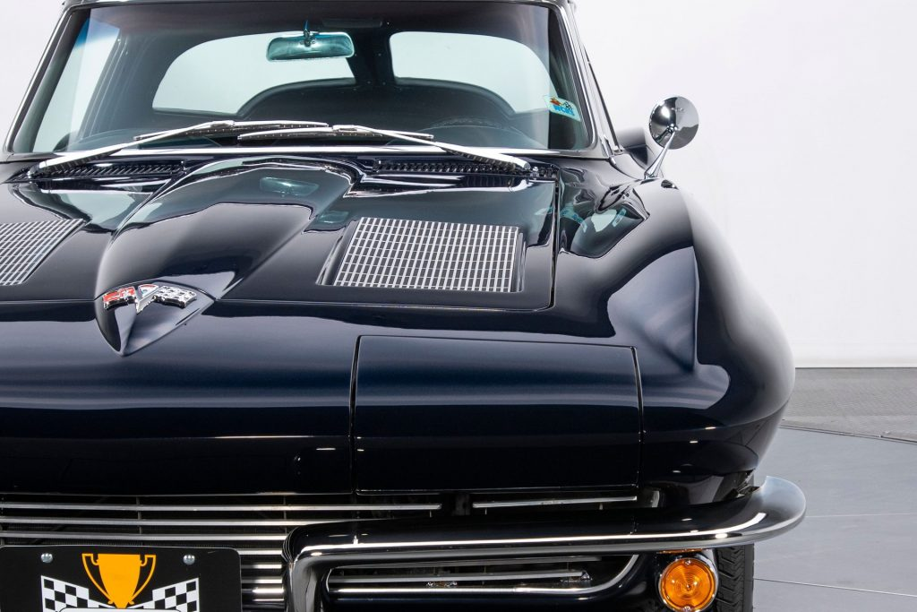 The chrome accents on this 1963 Split-Window Corvette appears to be flawless.