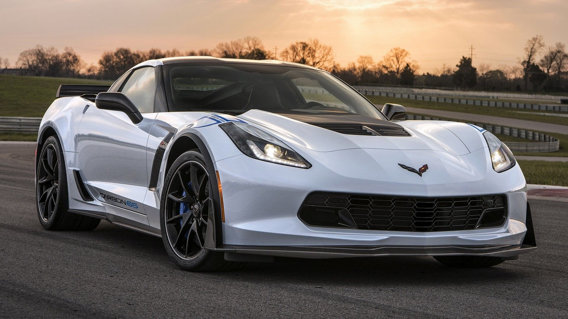 White Corvette Wallpapers
