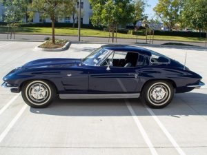 Dirty Harry was chased by a model of a 1963 Corvette