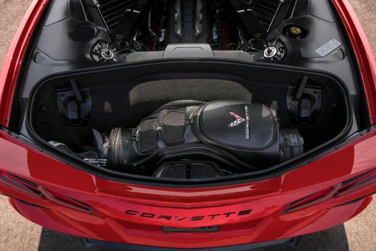 2020 Chevrolet Corvette Stingray trunk