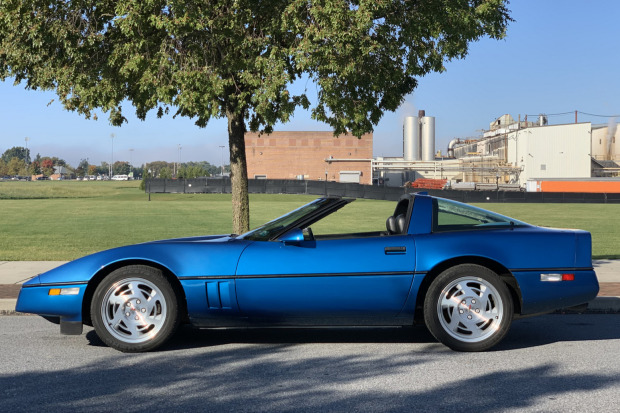 1990 Corvette Coupe six-speed
