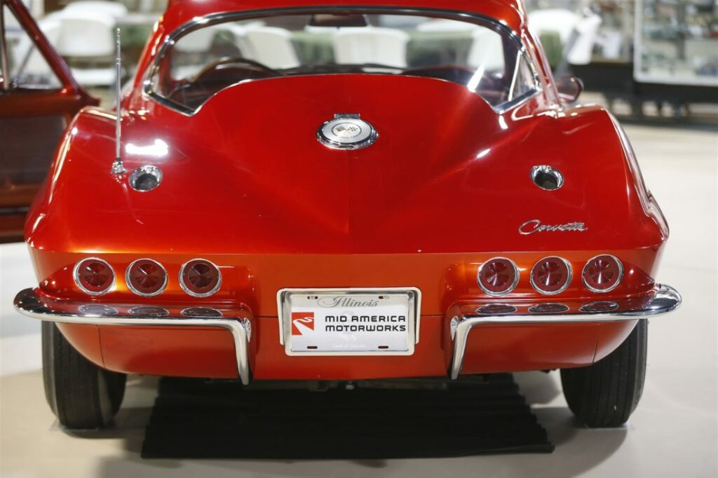 The rear of the car featured a third pair of brakelights and special air outlets mounted into the upper-portions of the rear fenders.